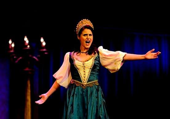 Awesome opera singer Hungarian gala concert