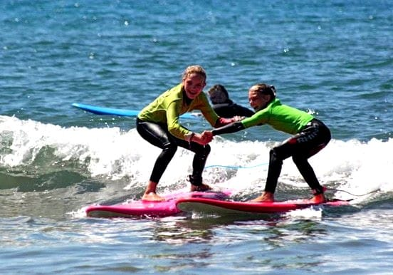 Learning to surf the waves in Maspalomas