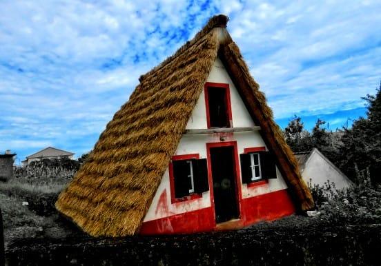Symbolic houses in Santa Madeira