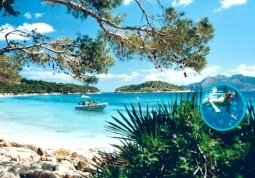 Boat trip to remote beaches of Mallorca