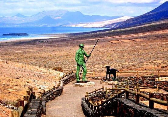 jeep safari tour in Cofete winter statue
