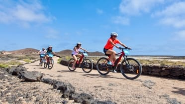 E-biking tour on remote island of Lobos