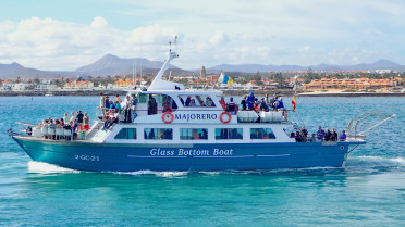 Ferry service between Corralejo and isla lobos