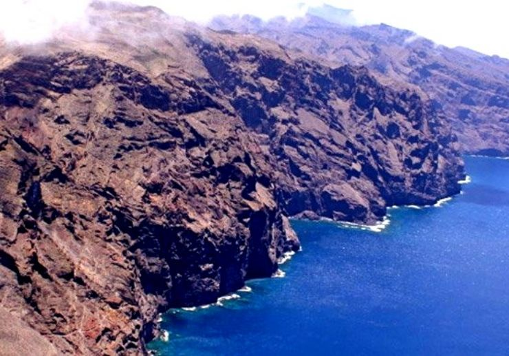 The Los Gigantes coast with vertical cliffs