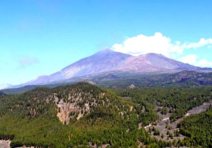 Unobstructed Teide view from Helicopter