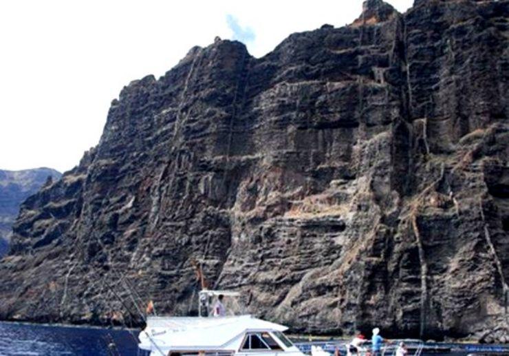 Fishing in great cliff surroundings