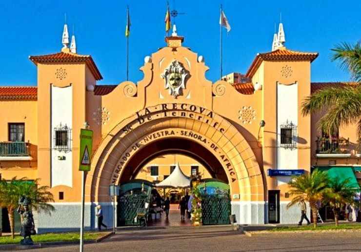 Our Lady of Africa market in Santa Cruz