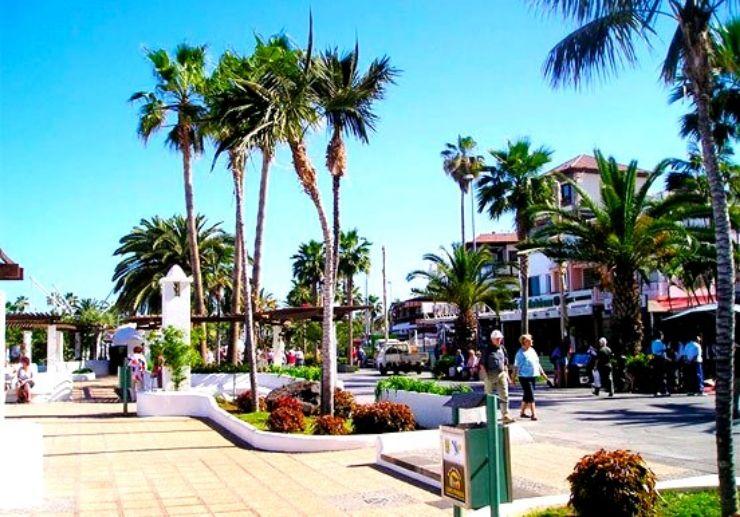 Seafront promenade at Puerto de la Cruz