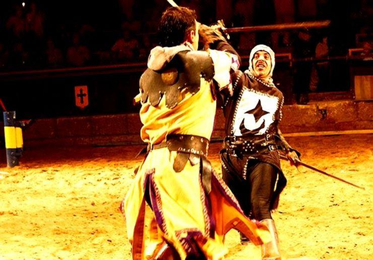 Sword fight scene medieval show in Tenerife