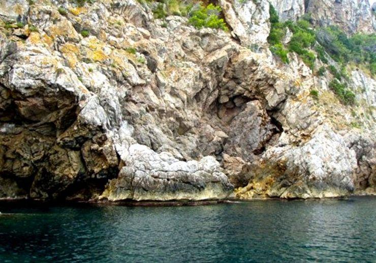 See Mallorca sea cliffs on jet ski safari
