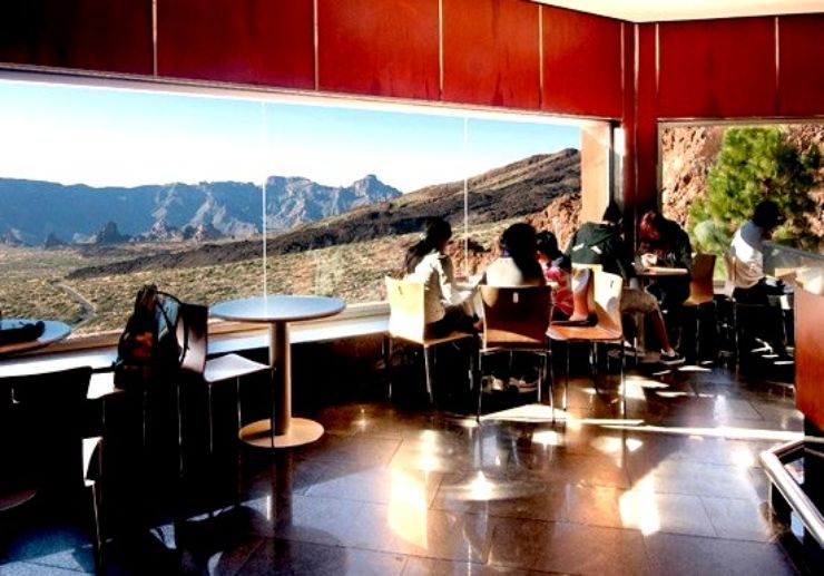 Cafeteria at the lower cable car station