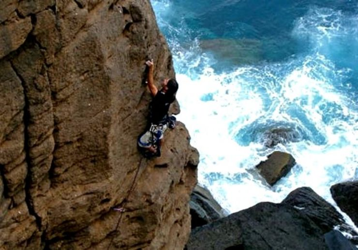 rock climbing in Gran Canaria coast