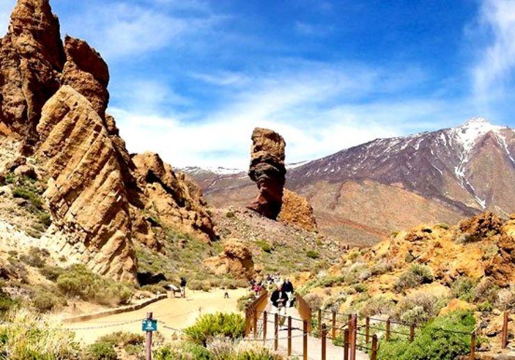Visit Roques de Garcia on Teide