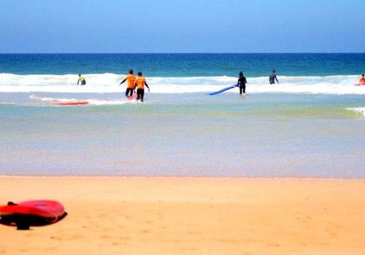 Surfing lessons around Caleta de Fuste