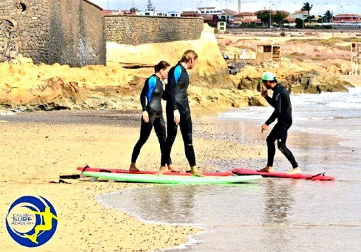Beach surfing lessons Fuerteventura