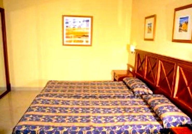 Bronce Mar Beach aparthotel bedroom for surf camp