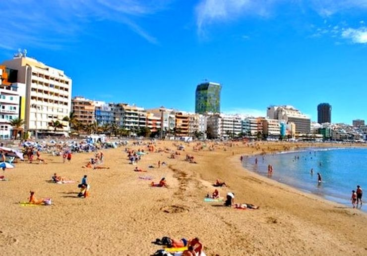 Las Canteras beach in Gran Canaria