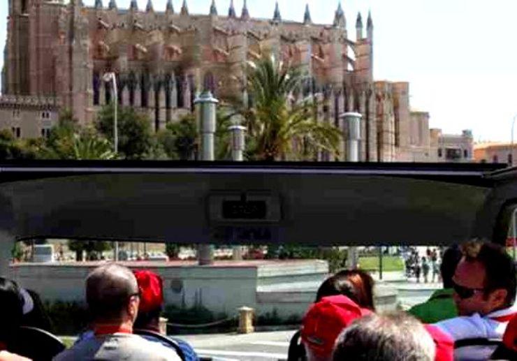 Tour Palma de Mallorca on hop on hop off