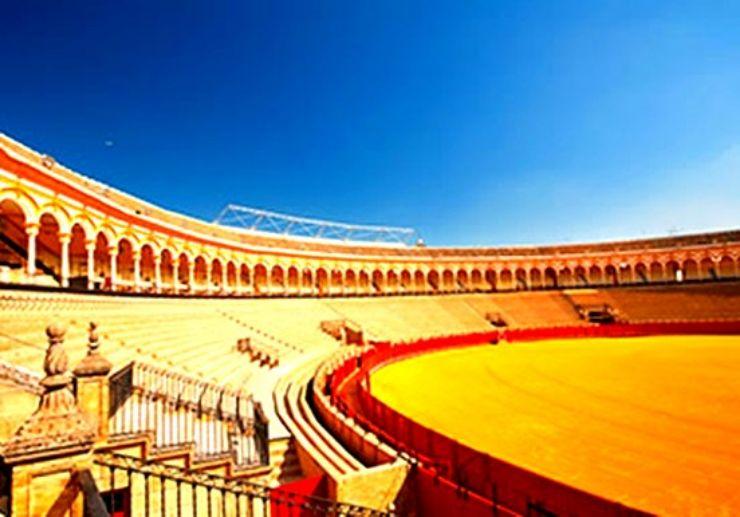 Paseo de Colon in Seville hop on hop off tour