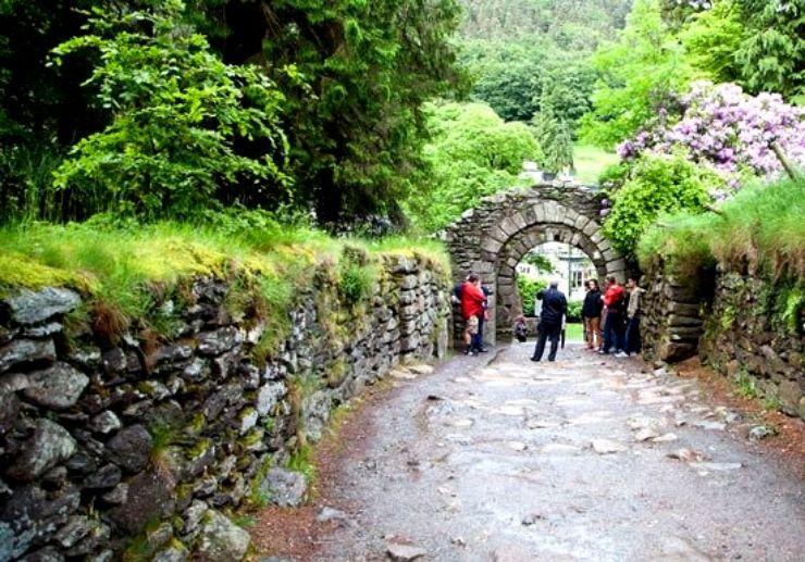 South coast gardens and Glendalough tour