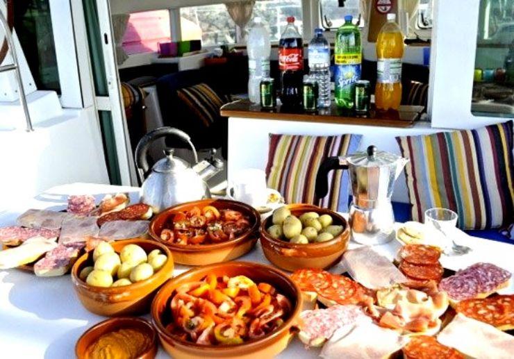 Fuerteventura catamaran sailing with lunch