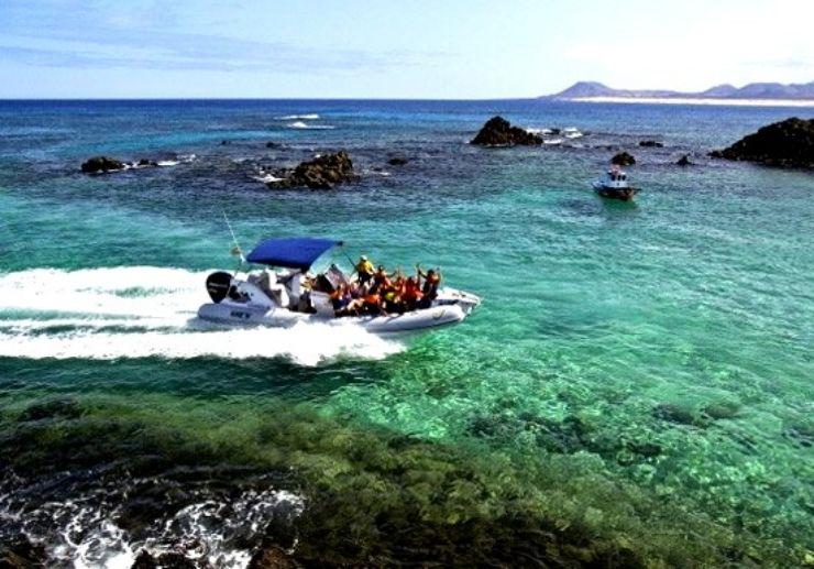 Water taxi to El Puertito Lobos Island