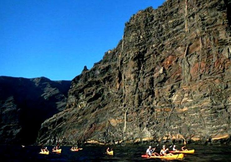 Kayak tour in Tenerife visit giant cliffs