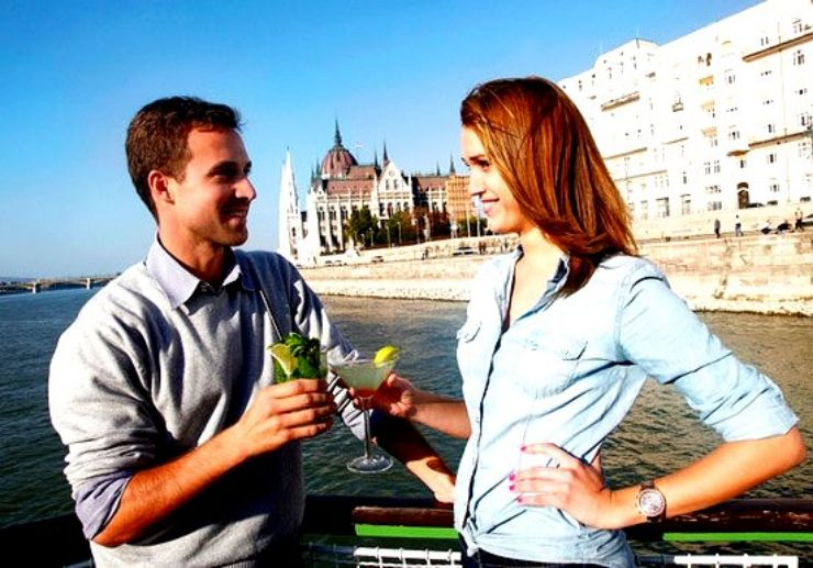 Cocktail and cruise in Budapest