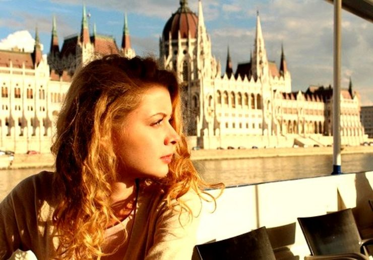 Coffee and cruise in Budapest
