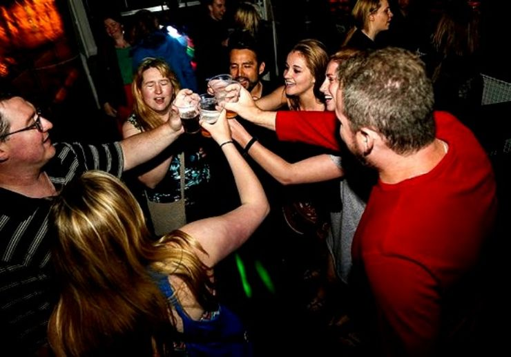 Drink and party while cruising in Budapest