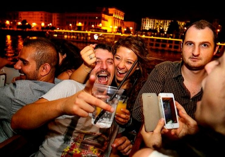 Enjoy partying and cruising in Budapest