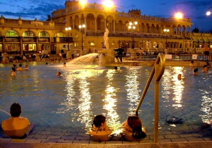 Night swimming at Széchenyi spa