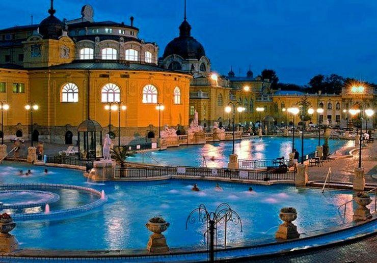 Széchenyi spa at night