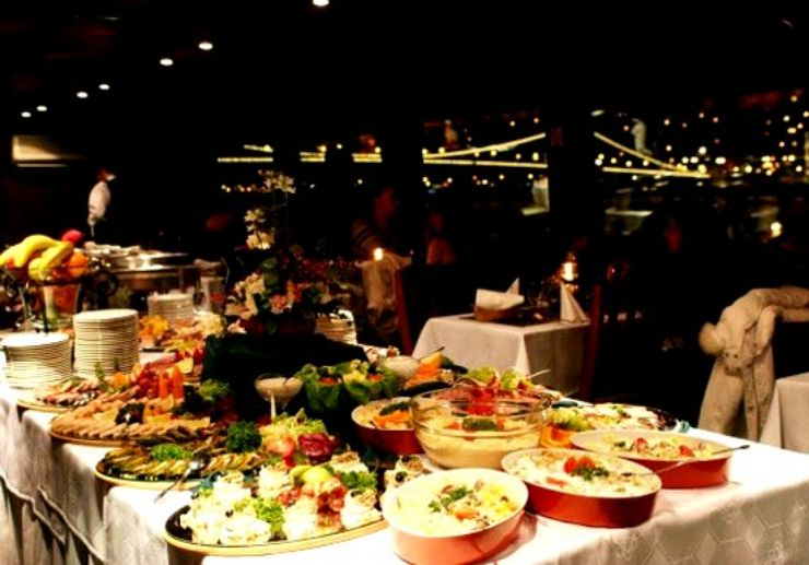 Delicious buffet dinner served on Budapest river cruise