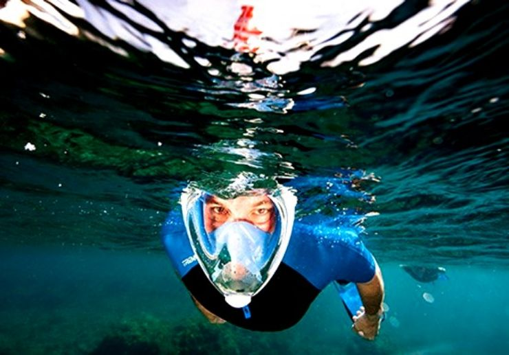 Full face mask snorkelling in Costa Teguise