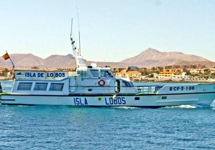 Ferry crossing Lobos Island