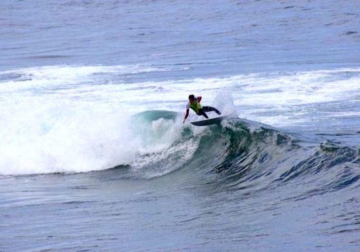 Technical surfing Punta del Hidalgo