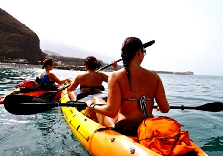 Experience kayak adventure in La Palma coast