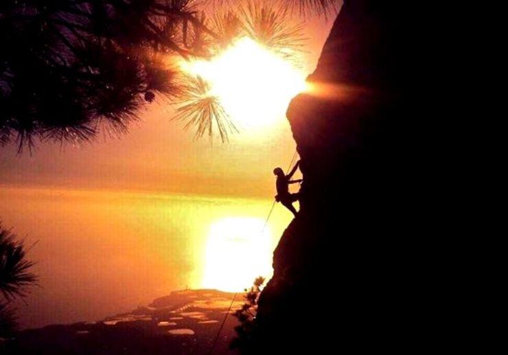 Sunset rock climbing in La Palma