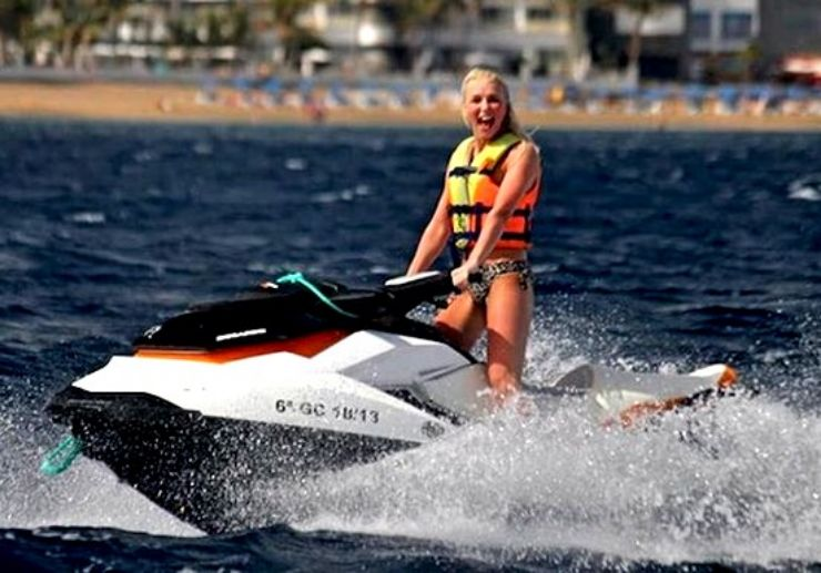 Ride a jetski in Playa Blanca