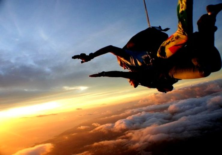 Skydiving free fall drenaline and speed Gran Canaria