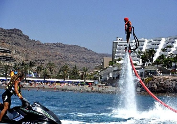 Fly above water with flyboard Gran Canaria