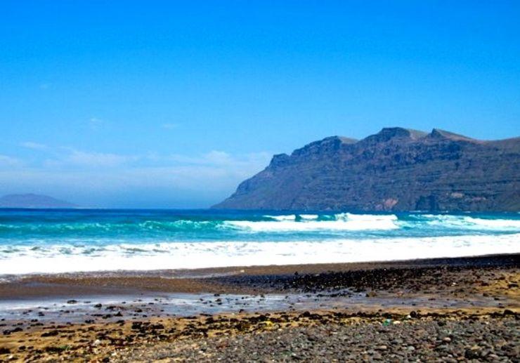 Lanzarote coast for surfing
