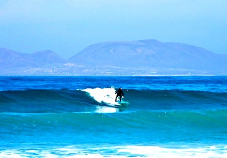 Learn to surf in Lanzarote