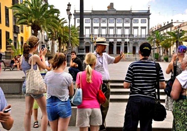 Plaza Mayor Santa Ana in Las Palmas Gran Canaria