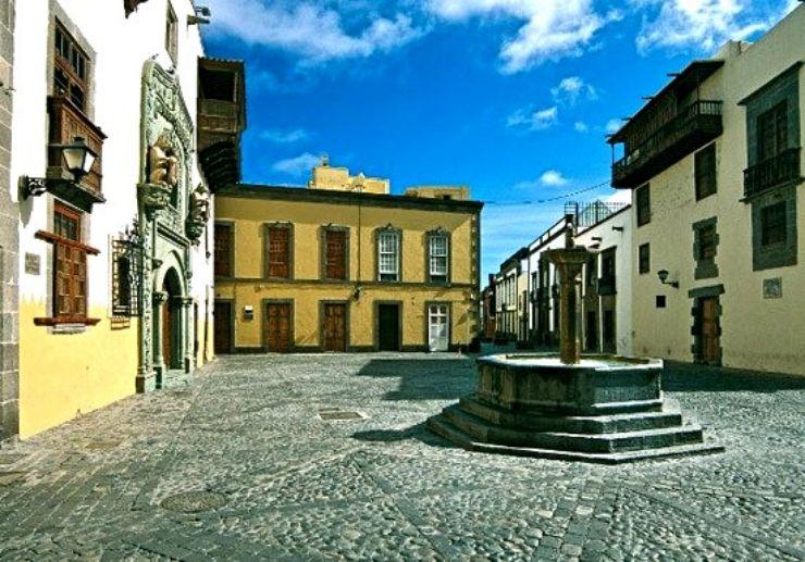 Vegueta historical walk tour Las Palmas Gran Canaria