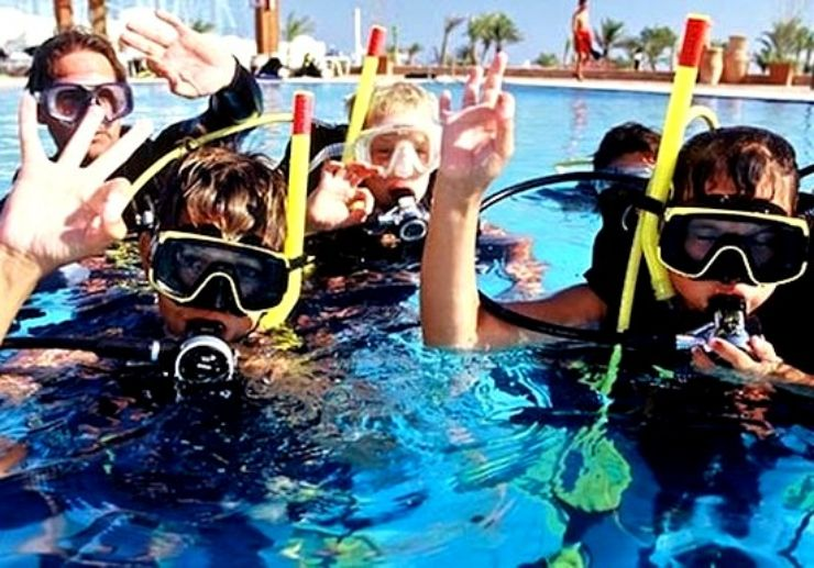Children learning to dive in Gozo