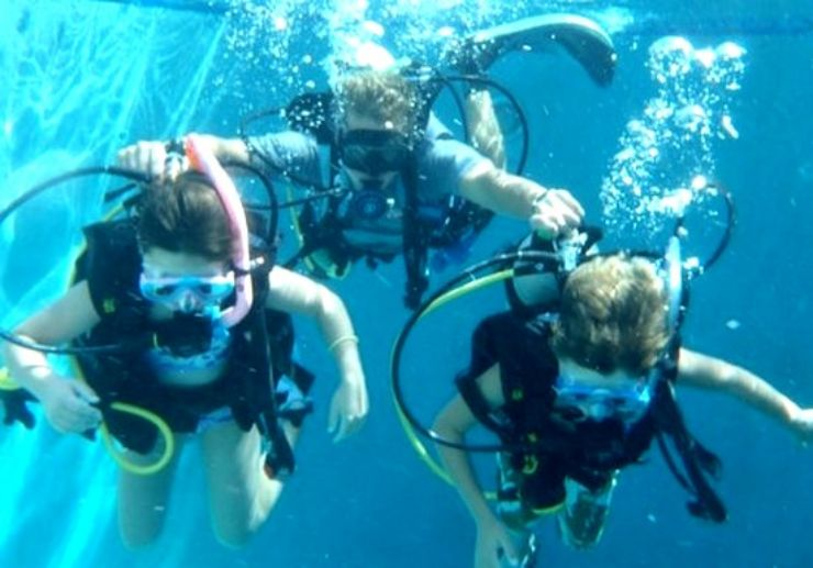 Swimming pool practise for junior diving Gozo