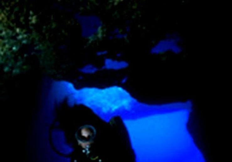 Dive in underwater caverns in Gozo
