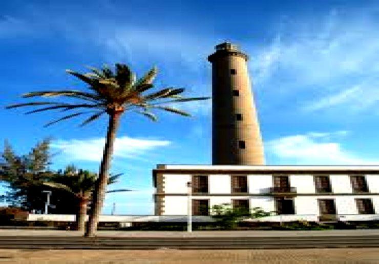 Visit lighthouse on bike tour